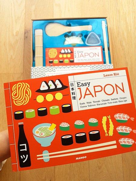 coffret cuisine japonaise recettes et ustensiles laure ki. Black Bedroom Furniture Sets. Home Design Ideas