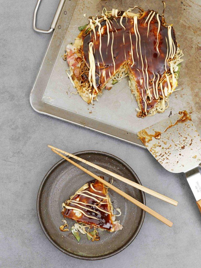 Okonomiyaki de Hiroshima aux nouilles