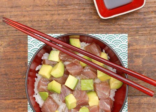 Chirashi sushi thon et avocat